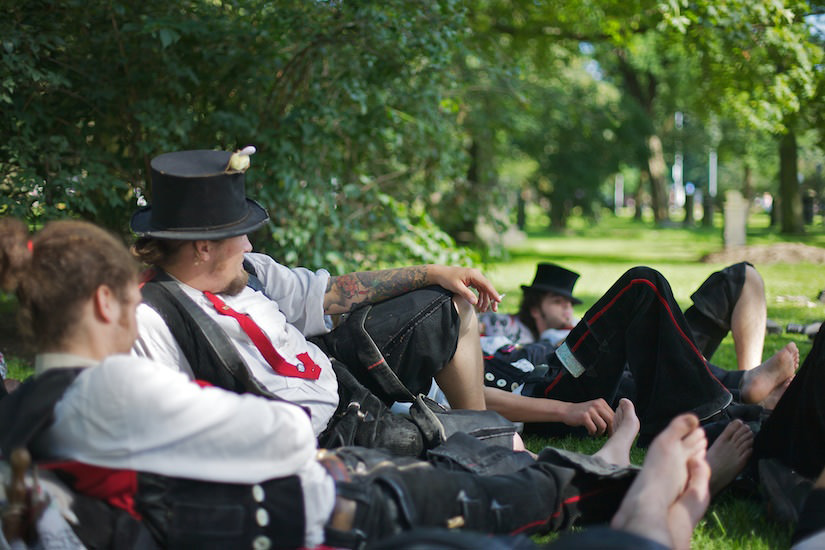 The Journeymen, FFB, resting after a long journey in a park, Hannover, Germany